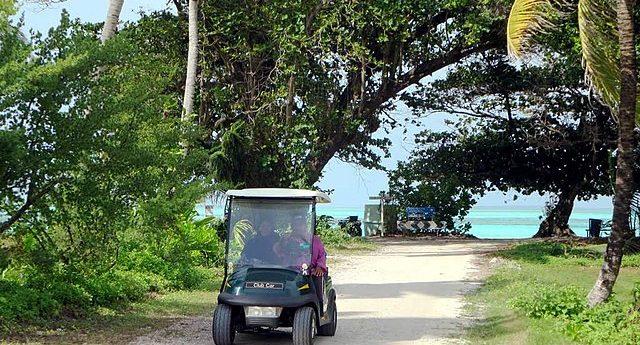 The Golf Cart Getaway Craze Has Reached Florida