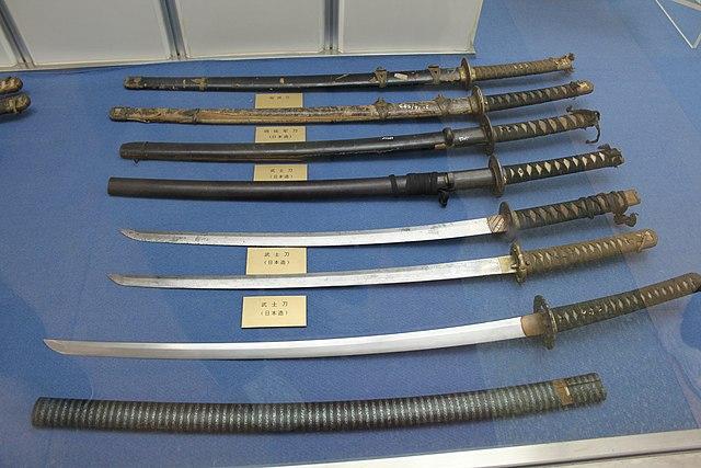 japanese-officer-swords