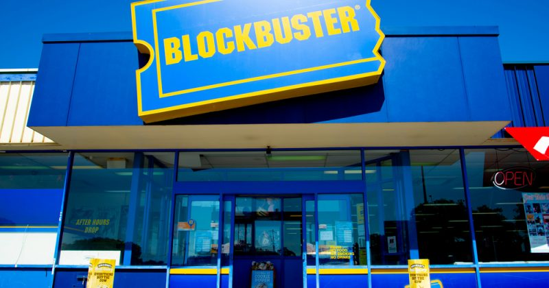 Worlds Last Blockbuster Is Now An Airbnb 95 7 The Hog